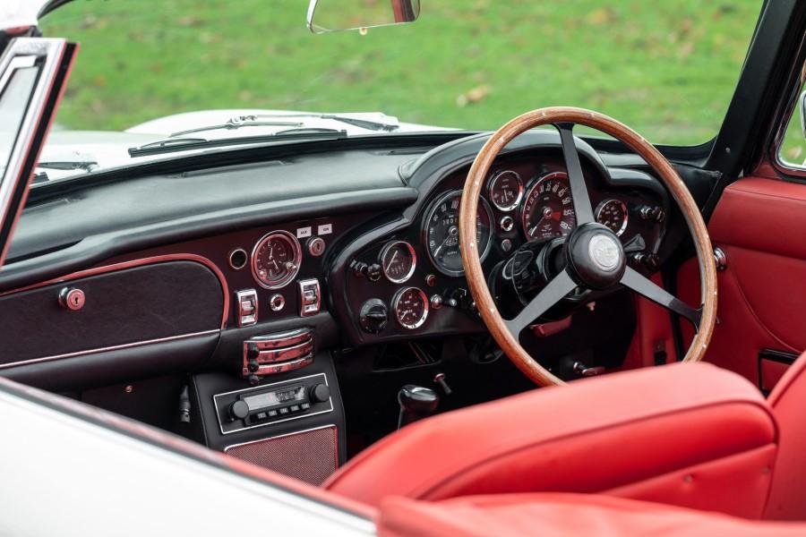 可切换动力系统 阿斯顿·马丁推出DB6电动概念车