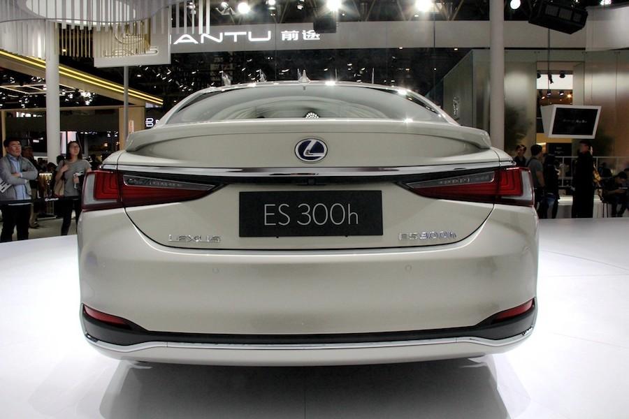 混动车型油耗4.7L 雷克萨斯新ES或于7月26日上市
