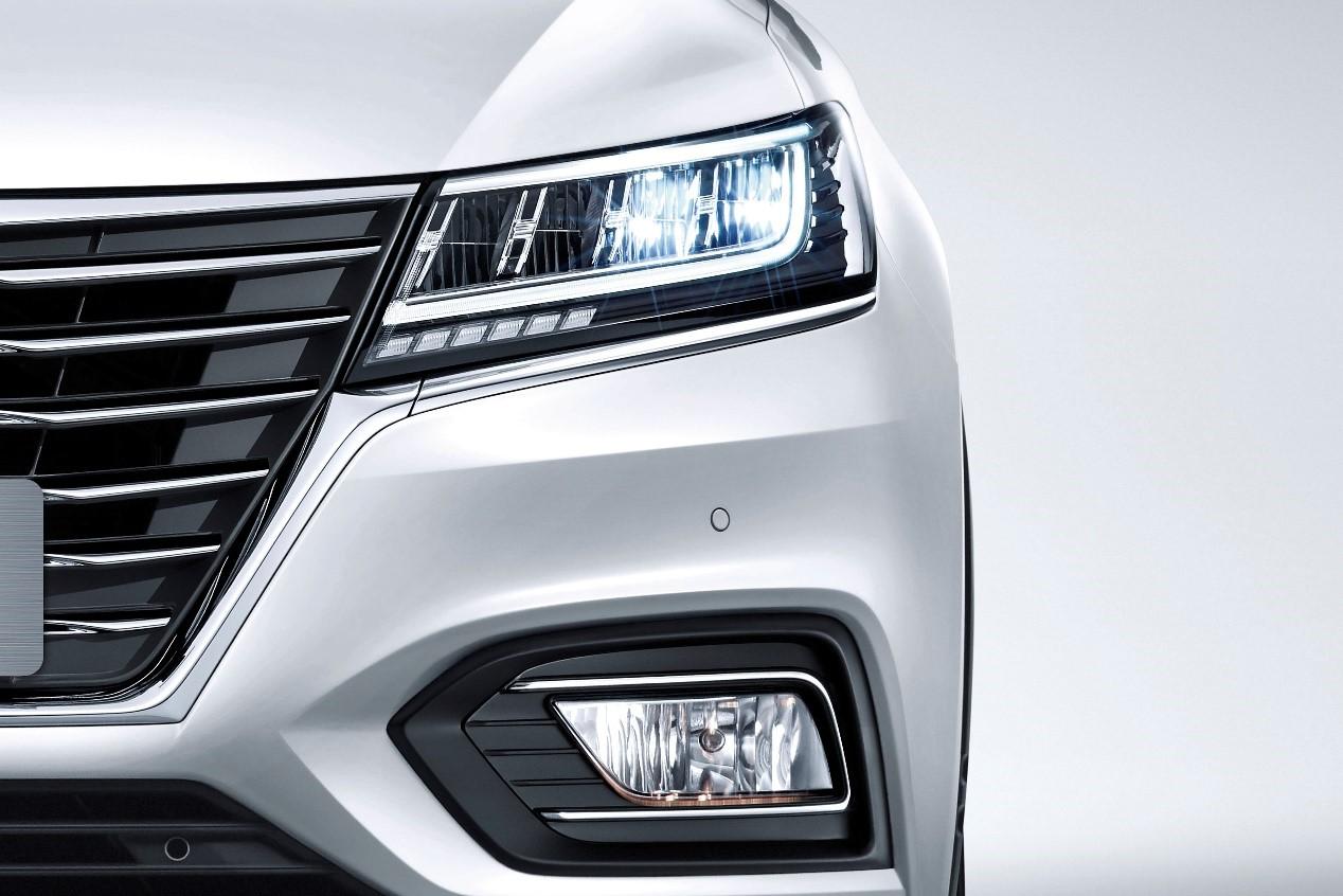 全系标配LED大灯 新款荣威eRX5即将上市