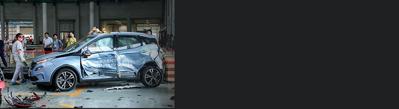 全球首次电动汽车三车双重碰撞 北汽新能源测给你看
