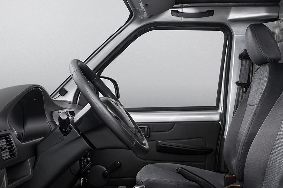 售11.18-11.98万元 五菱EV50纯电动5座版上市