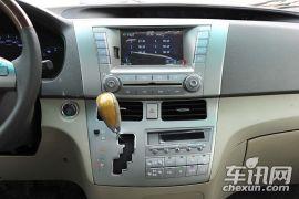 比亚迪-比亚迪M6-尊稳版 2.4L 自动 尊贵型