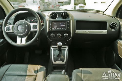 "jeep麾下,指南者是20万至30万价位区间内唯一装载""真正suv底高清图片"