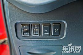 雷诺-科雷傲-2.0L 两驱标准版