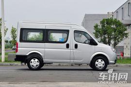 东风汽车-御风-2.5T御利宝物流车中轴中顶ZD25