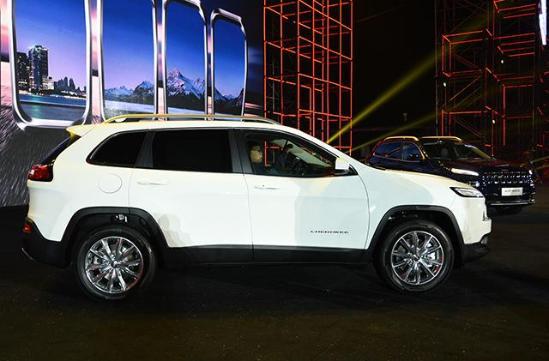 吉普自由光降价 Jeep自由光最低价格高清图片
