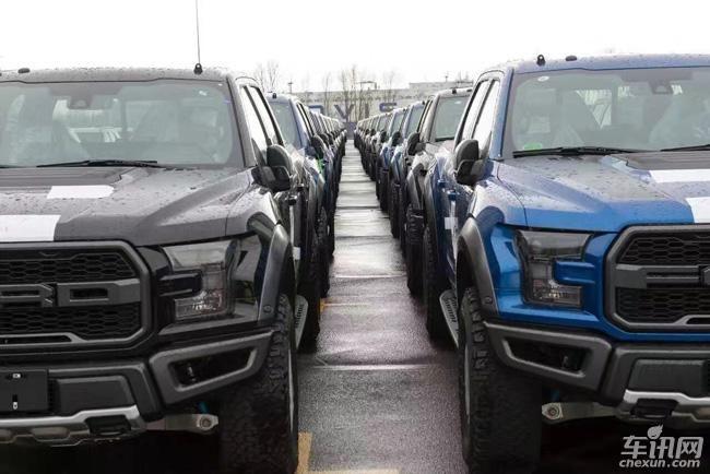 福特猛禽现车抵达国内4S店 售价或56万元起