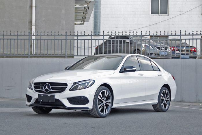 新款奔驰C级正式上市 售31.28-48.90万元