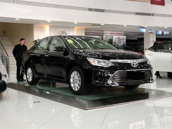 丰田凯美瑞最低价格 新款2.0低配多少钱