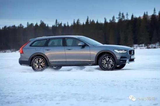 在北极圈生活 没有这辆车怎么行