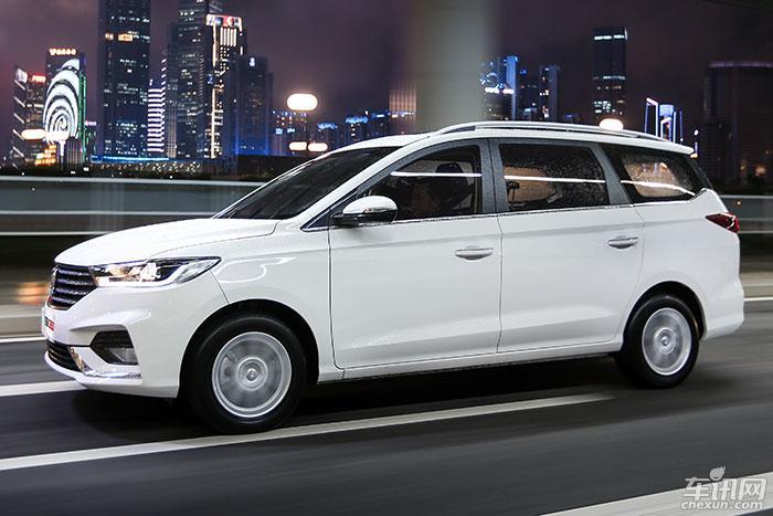 宝骏360车型官方实拍图曝光 将于年内上市