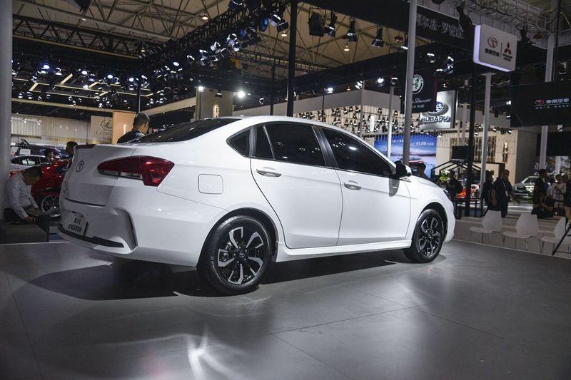 搭载1.5T发动机 东南A5将于11月16日上市