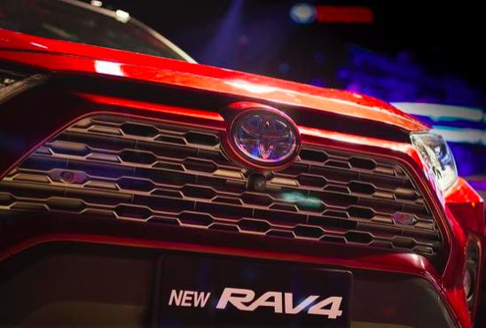全新RAV4榮放,這次潮酷玩的很高調