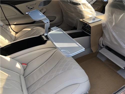 20款奔跑迈巴赫S560俭华减长比19款迈巴赫5