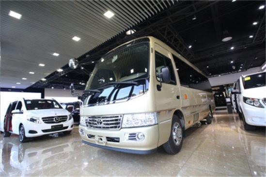 丰田考斯特车载床卫生间房车改装