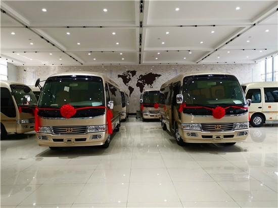 丰田考斯特12座价格行情 专业改装奢华中巴