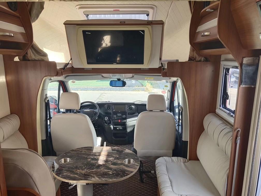 定制改装房车旅行版现车四张床位c1可驾驶图片