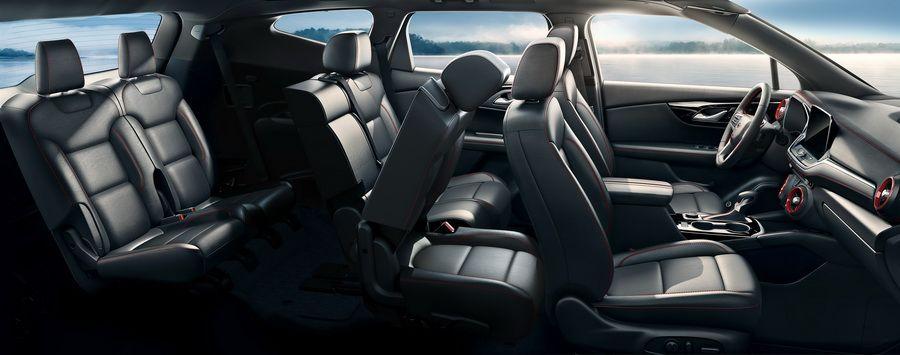 30万买7座SUV不玩虚的,实用、好开、智能才是价值之选!