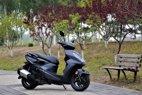 摩托车的王者是谁?一切将终结于踏���如玉板,这三情�r款高性价比车型足矣