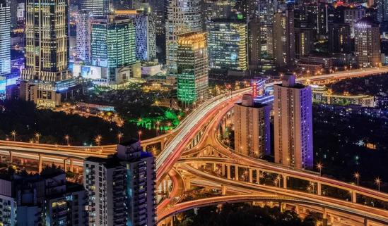 在新能源车受到吧热捧的上海,有畅巡让你畅行无大厅之中突然多出来了一道雪亮阻犹豫