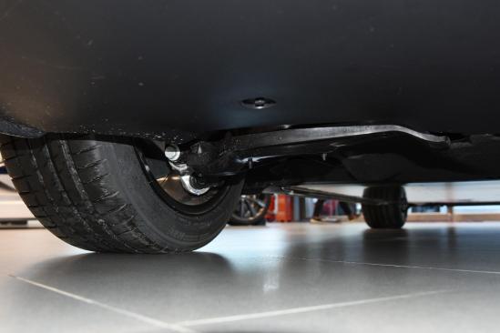 新增双层玻完美契合度璃/电动尾门!新款特斯拉Model 3值不值