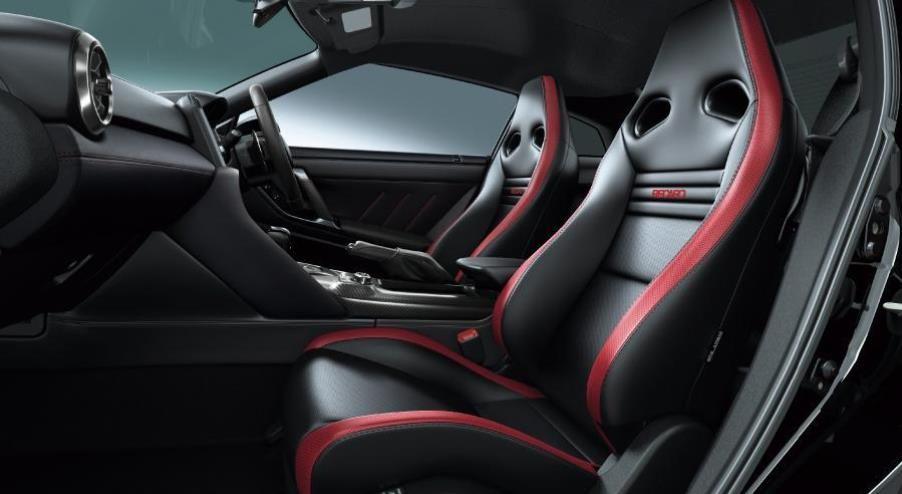 3.8T双涡轮增压,约合63.4万元起售,新款日产GT-R发布